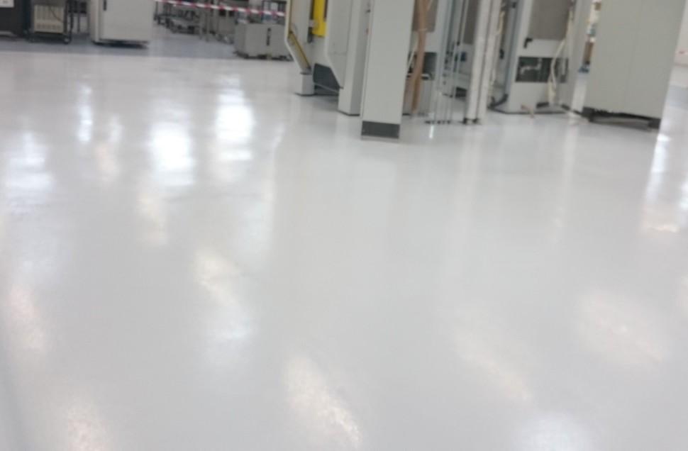 Beton lisse garage best bton cir coul blanc mat with beton lisse garage choisir sa peinture for Peinture beton garage